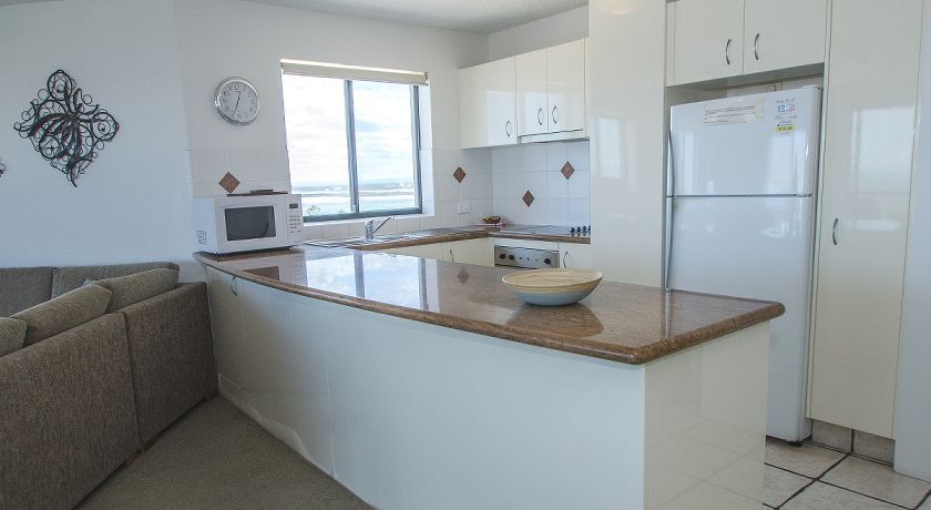Kings Beach Caloundra Holiday Apartments Self Contained Kitchen