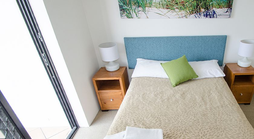 Kings Beach Caloundra Holiday Apartments Master Bedroom