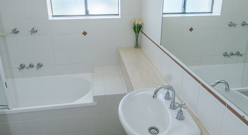 Kings Beach Caloundra Holiday Apartments Ensuite